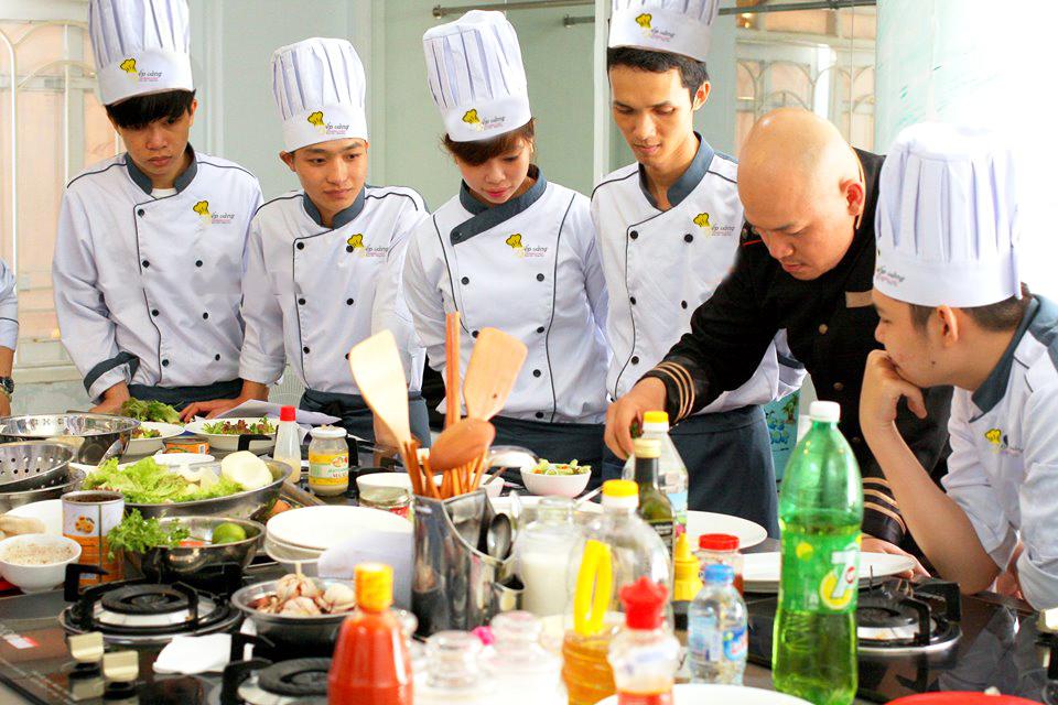Trường dạy học nấu ăn giá rẻ ở Bình Dương