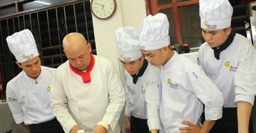 Học nấu ăn giá rẻ ở đâu