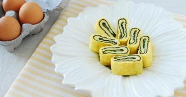 Trứng-cuộn-cơm-rong-biển