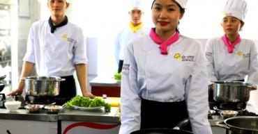 Buổi thi của học viên Bếp Vàng