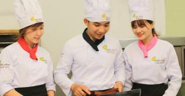 Học bếp uy tín tại Bếp Vàng